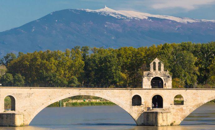 Pont d'Avignon au printemps