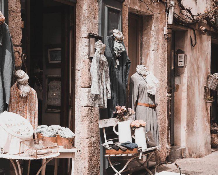 Boutique à Lourmarin ©HOCQUEL A